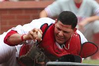 Molina grabs his first gold glove (Bill Greenblatt, UPI)