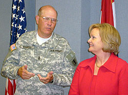 Sen Clair McCaskill and Gen. Sidwell