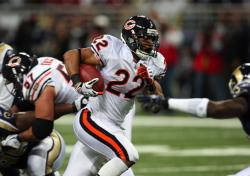 Bears Matt Forte scored twice (Bill Greenblatt, UPI)
