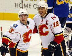 Jarome Iginla (right) had four points in win (Bill Greenblatt, UPI)
