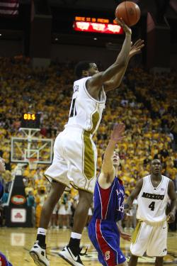Zaire Taylor shoots the winning shot (Bill Greenblatt, UPI)