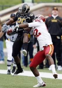 Mizzou's Kevin Rutland intercepts Iowa State pass (UPI/Bill Greenblatt)
