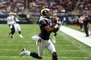St. Louis Rams Donnie Avery catches a Marc Bulger pass  UPI/Bill Greenblatt