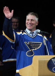 Brett Hull waves to the crowd in St. Louis, Bill Greenblatt, UPI