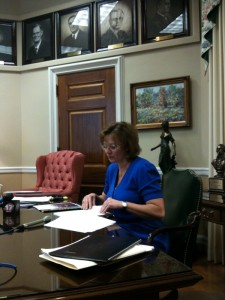 State Auditor Susan Montee reviews MoDOT audit