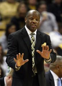 MU coach Mike Anderson tries to settle his team down (UPI, Bill Greenblatt)