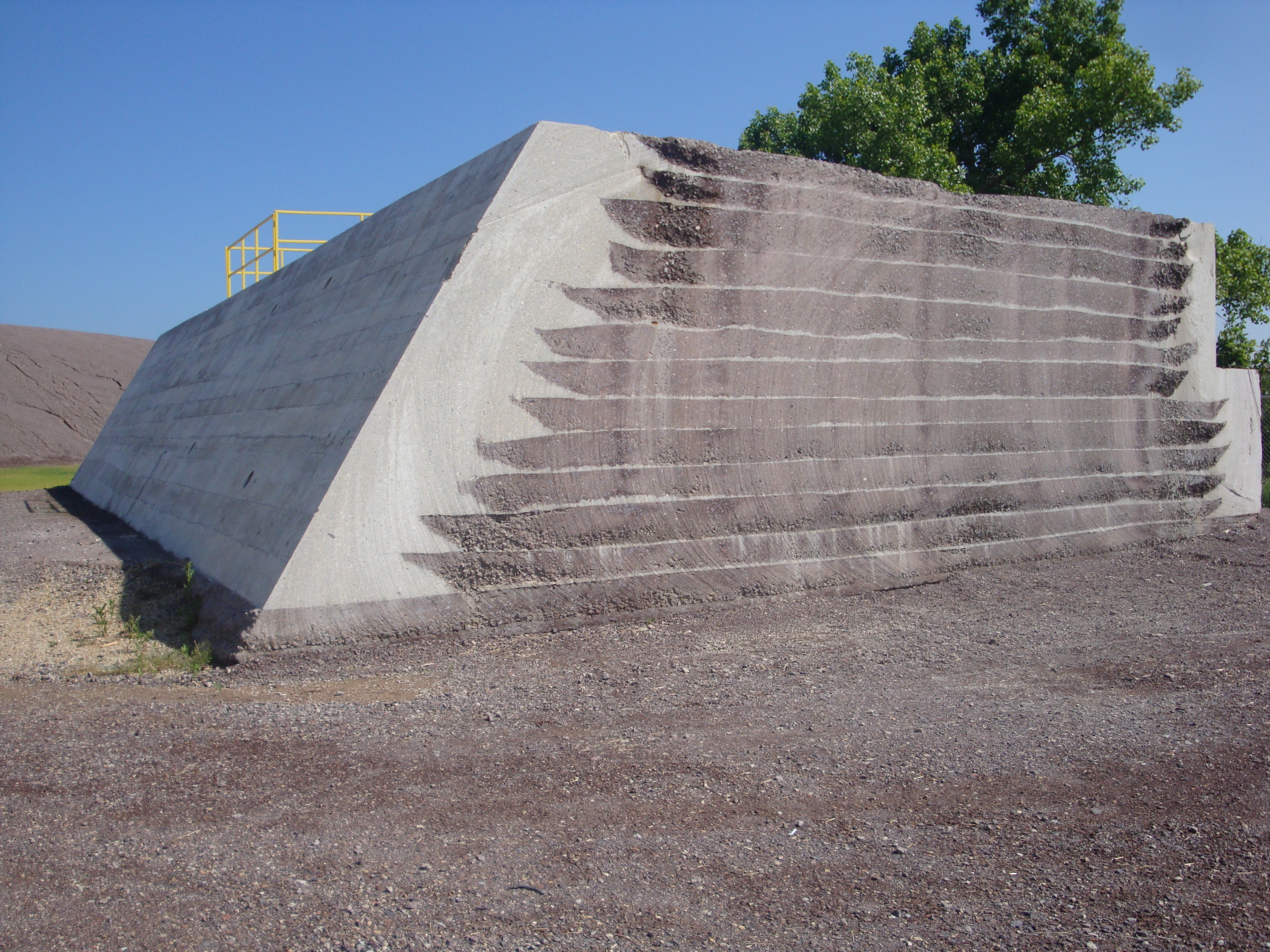 """Roller Compacted Concrete Dam : Four years after disaster ameren says taum sauk is """"as"""