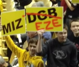 Mizzou fans show their support for Ezekiel Elliott, who made a recent visit to Mizzou.