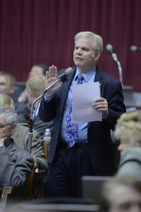 Representative Gary Cross (R-Lee's Summit) sponsored the tanning bed legislation, HB 47.  (photo courtesy; Tim Bommel, Missouri House Communications)