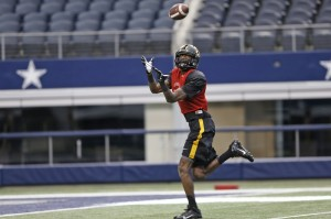 L'Damian Washington catches a pass during Mizzou's practice at AT&T Stadium. (photo/Cotton Bowl)