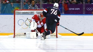 T.J. Oshie beats Russian goalie Sergei Bobrovsky between the legs. (photo from guardianlv.com)