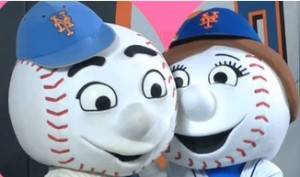 Who would want to break up a couple like Mr. and Mrs. Met?  That SLUGGERR is a PLAYERRR. (photo via twitter @MrMet)