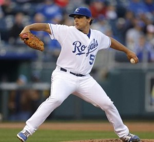 Jason Vargas delivers a pitch against the Tampa Bay Rays (photo/MLB)