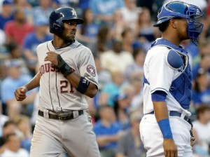 Dexter Fowler scores in the fourth inning for Houston. (photo/MLB)
