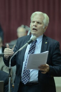 Representative Gary Cross (R-Lee's Summit) has worked for four sessions to pass legislation restricting the use of tanning beds by minors. (photo courtesy; Tim Bommel, Missouri House Communications)