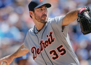 Justin Verlander delivers a pitch Sunday against the Royals (photo/MLB)