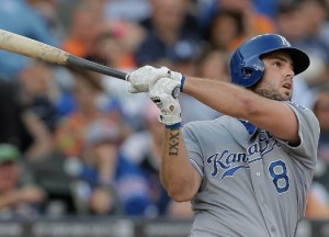 Mike Moustakas   (photo/MLB)