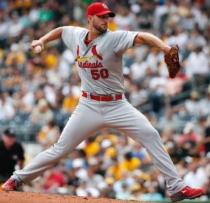 Adam Wainwright delivers a pitch at Pittsburgh (photo/MLB)