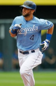 Alex Gordon rounds the bases after hitting a home run.  (photo/MLB)