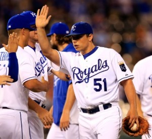 Jason Vargas is congratulated by teammates after his complete game.  (photo/MLB)