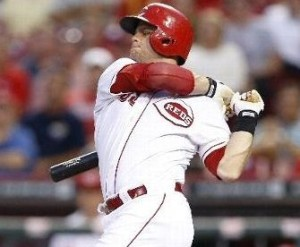 Devin Mesoraco takes a cut against Michael Wacha (photo/MLB)