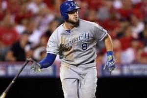 Mike Moustakas watches his home run leave the park in the 11th inning (photo/MLB)