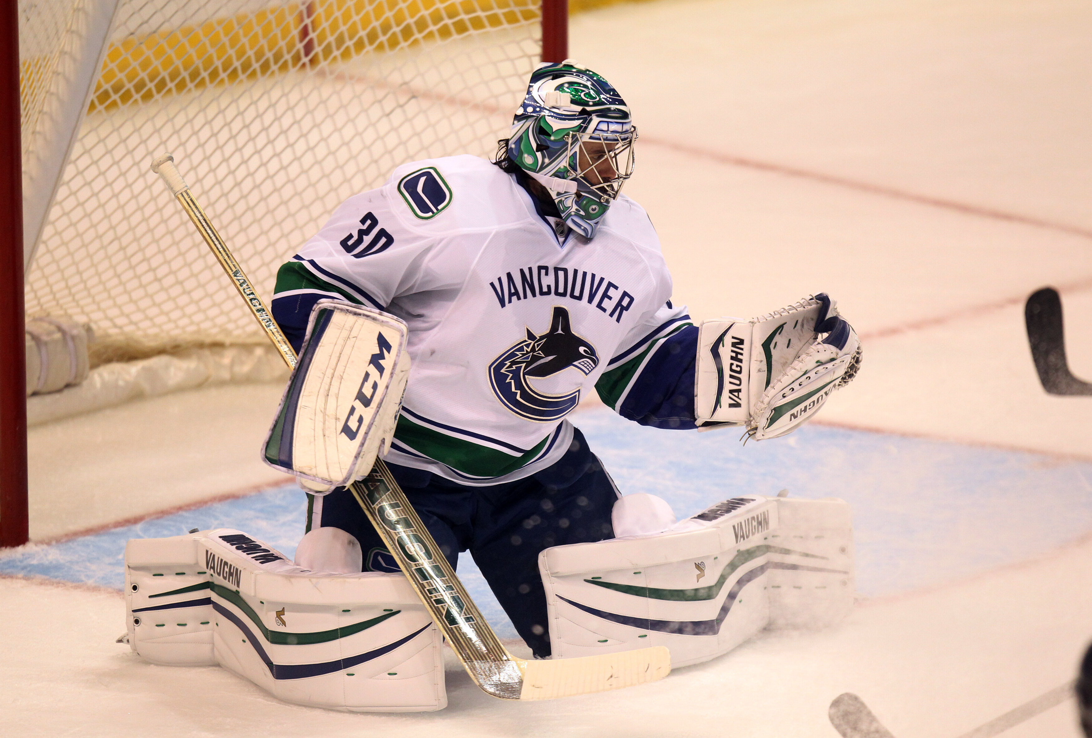 Ryan Miller returns to St. Louis and makes 31 saves as ...