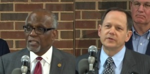 St. Louis County Executive Charlie Dooley (left) and St. Louis Mayor Francis Slay