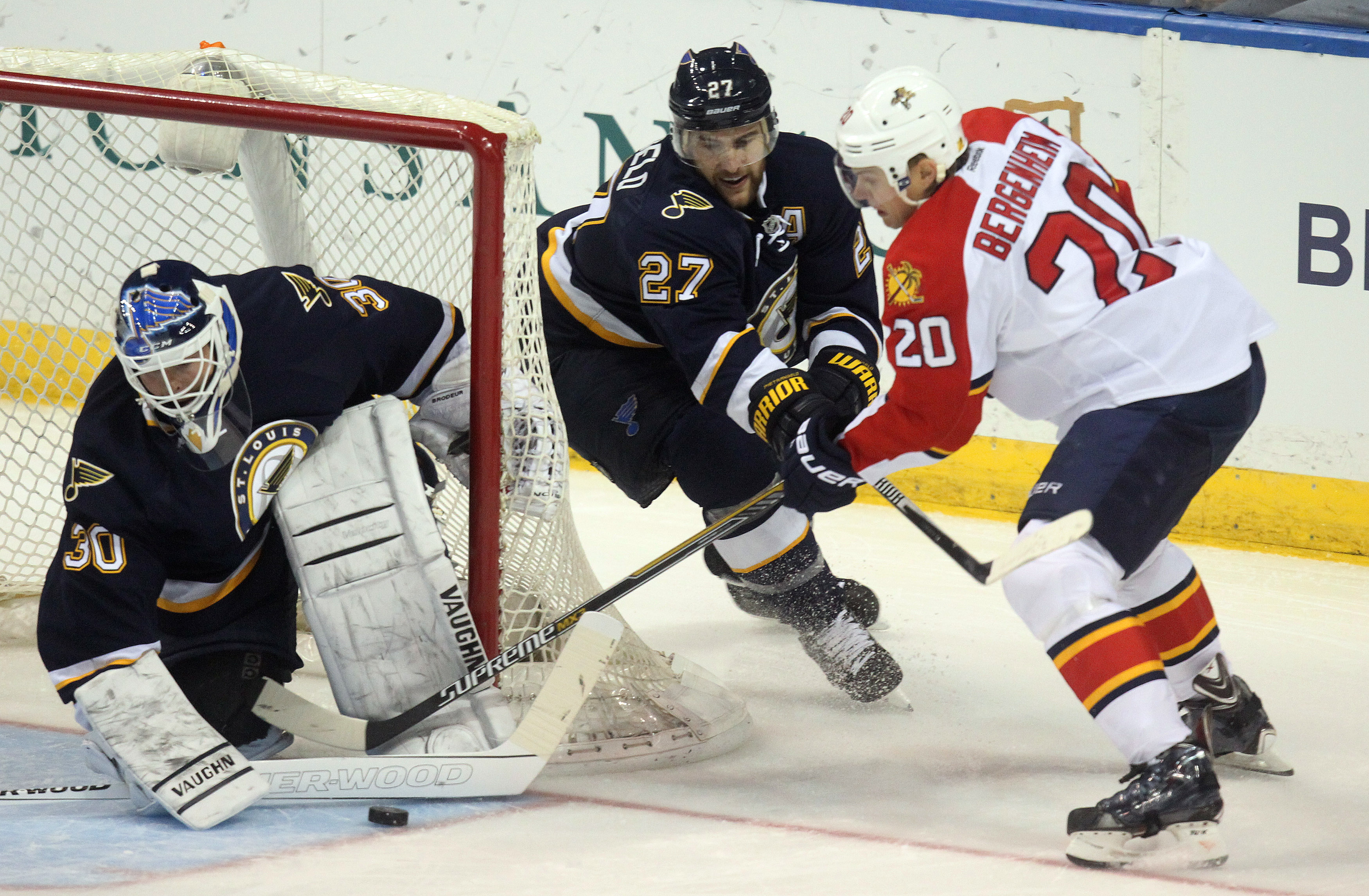 Martin Brodeur Makes 32 Saves In His Home Debut For The Blues Grabs