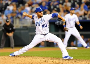 Kelvin Herrera is signed for two more seasons with the Royals (photo/MLB)