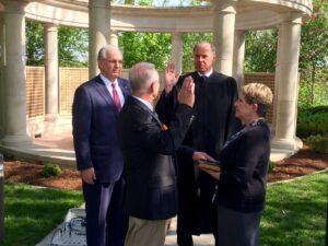 Former Joplin Chief of Police Lane Roberts is sworn in by Judge Michael Bradley.