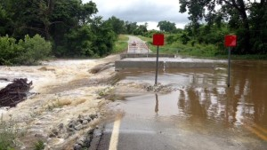 Photos of flooding 4 miles west of Ava, Missouri (Debbie Wray, Twitter)