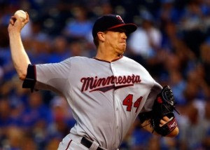 Kyle Gibson allowed just two hits after the first inning against the Royals (photo/MLB)
