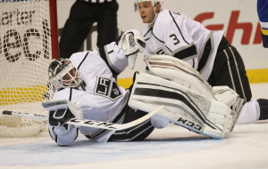 Los Angeles Kings goaltender Jhonas Enroth of Sweden rolls around to make a save against the St. Louis Blues in the first period at the Scottrade Center in St. Louis on November 3, 2015. Photo by Bill Greenblatt/UPI