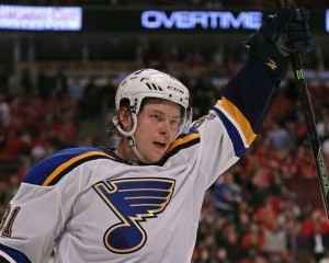 Vladimir Tarasenko scores the game winner over the Blackhawks (photo/NHL)
