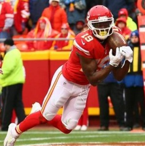 Jeremy Maclin pulls in a touchdown down from Alex Smith. Maclin has over 1,000 receiving yards (photo/KC Chiefs)