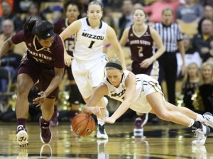 Sophie Cunningham dives after a loose ball. (photo/Mizzou Athletics)