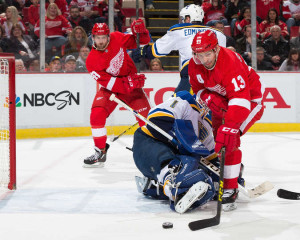 Brian Elliott makes a save on Pavel Datsyuk of Detroit (photo/NHL.com)