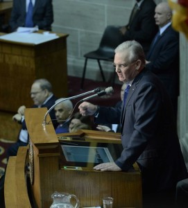 Governor Jay Nixon delivers his 2015 State of the State Address (photo courtesy; Tim Bommel, Missouri House Communications)