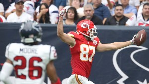 Travis Kelce hauls in a big pay day (photo/KCChiefs)