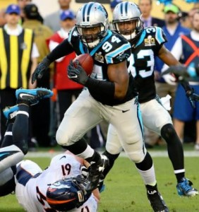 Kony Ealy picks off Peyton Manning in Super Bowl 50 (photo/NFL.com, Todd Rosenburg)