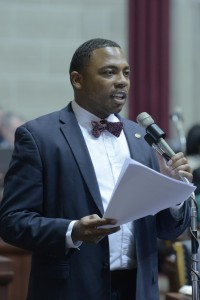 Kansas City Democrat Randy Dunn introduced an amendment to a bill dealing with election issues, seeking to make early voting available to Missourians.  (photo courtesy; Tim Bommel, Missouri House Communications)