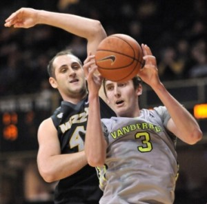 Ryan Rosburg fights for a rebound (photo/Vandy Athletics)