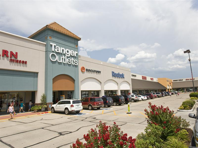 Missouri Outlet Malls Ready To Deal With Big Holiday