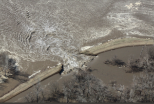 Emergency work to begin soon on two heavily-damaged Missouri levees
